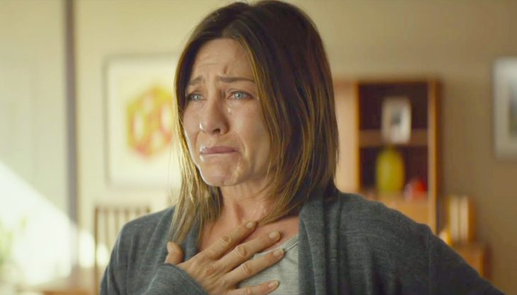 Jennifer Aniston llorando