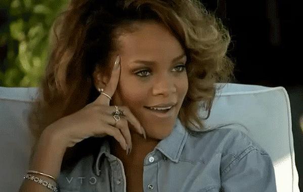 Rihanna con cara de sarcasmo