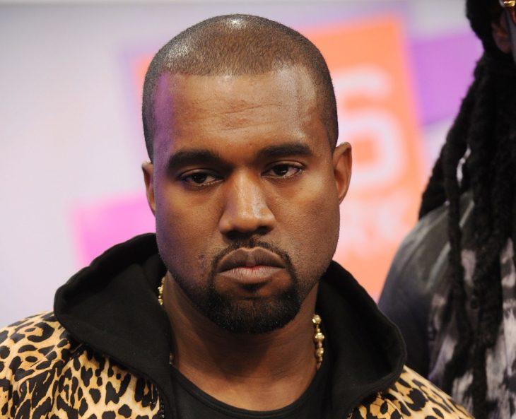 Kanye West cara de nefasto