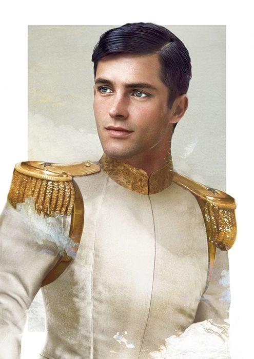 Príncipe de la película la cenicienta usando un traje de color blanco con hombreras doradas