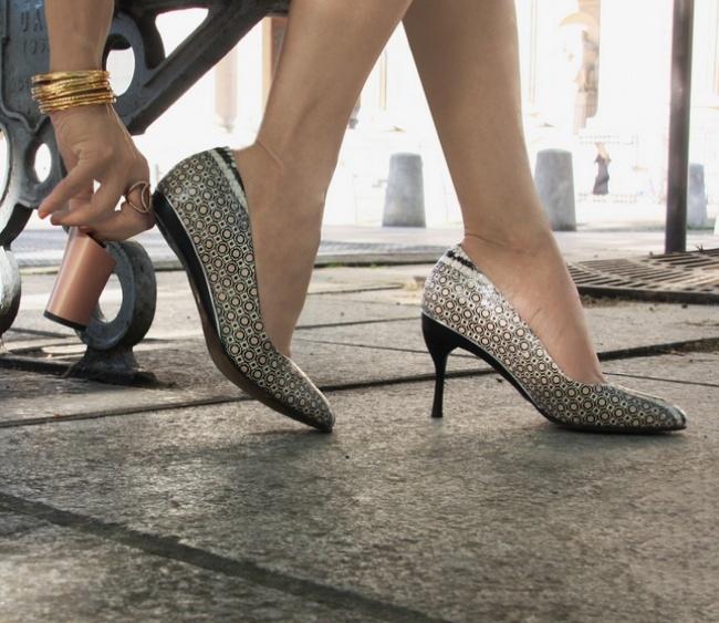 Intercambiando el tacón a los zapatos