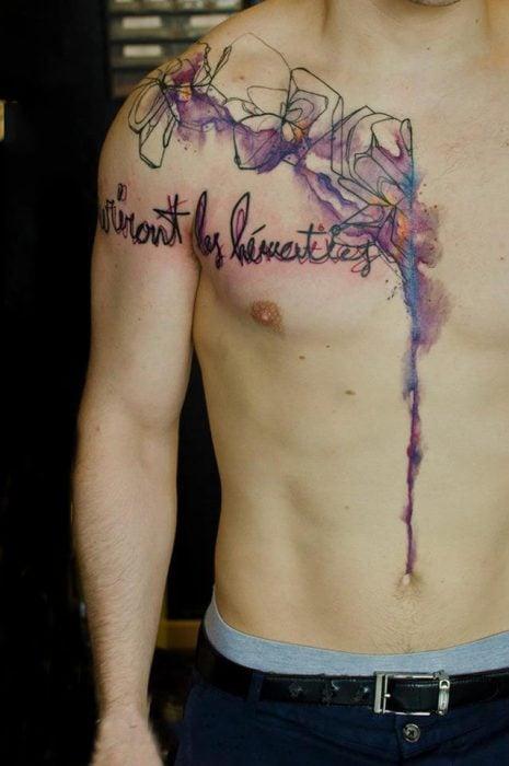 Chico tatuaje de acuarela