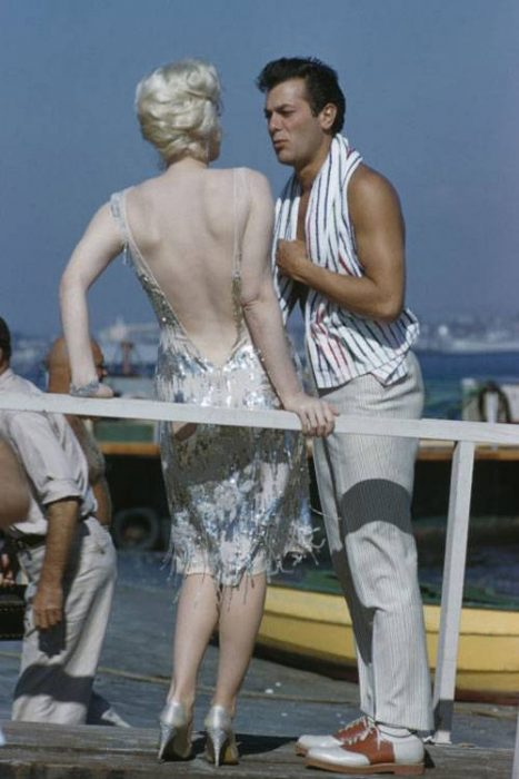 Marilyn Monroe con Tony Curtis