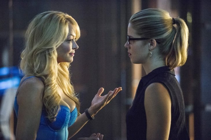 madre e hija de la serie Arrow