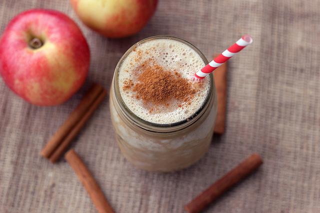 smoothies de manzana, canela y linaza