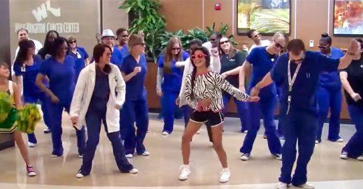 Personal de un hospital PREPARÓ un Flash-mob para una chica en el último día de su TRATAMIENTO