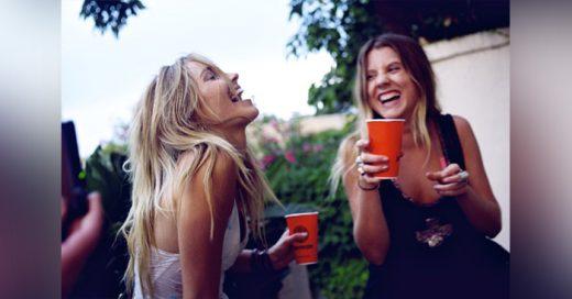 23 Cosas que pasan cuando te EMBORRACHAS con tu mejor AMIGA