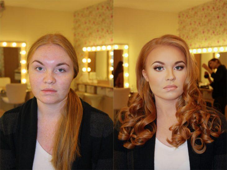 Chica pelirroja antes y después de aplicarse maquillaje y hacerse el cabello en rizos