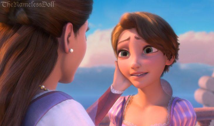Rapunzel con el cabello corto