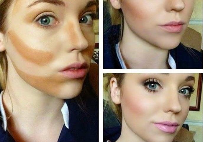 Chica rubia mostrando el proceso del maquillaje