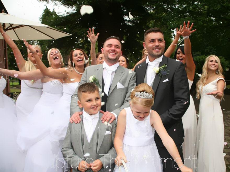 pareja gay pidi243 que sus damas usaran vestidos de novia
