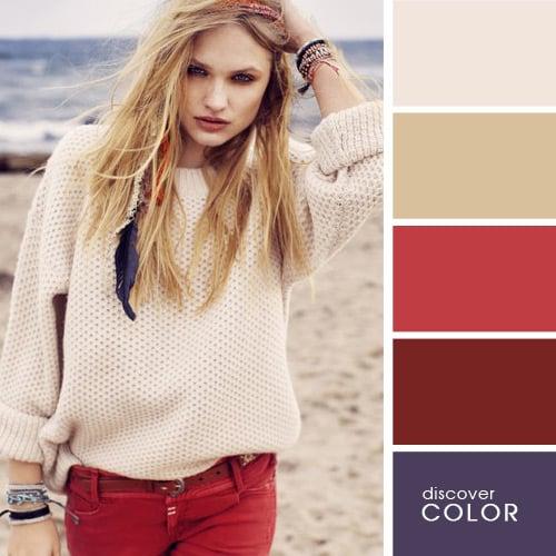 Chica usando un suéter de color marfil con un pantalón de color rojo