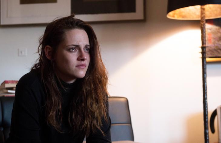 Kristen Stewart llorando