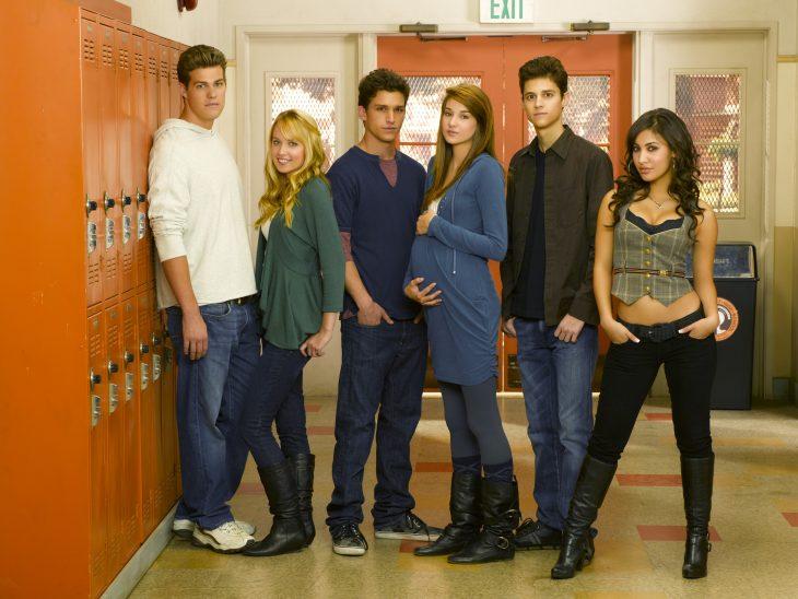 Escena de la serie la vida secreta de la adolescente americana chicos en la escuela
