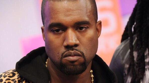 Kanye west con cara de enojado