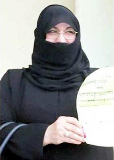 Jamal Al-Saadi primera mujer en votar en Arabia Saudita