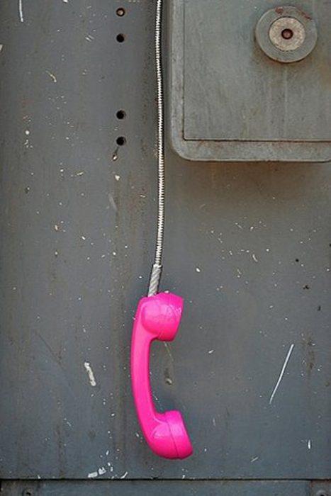 teléfono colgando