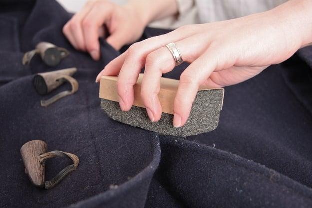 piedra pomez para quitar pelusa de ropa