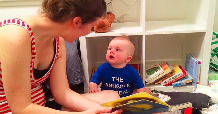 Bebé ama tanto la literatura que llora cada vez un libro llega a su fin