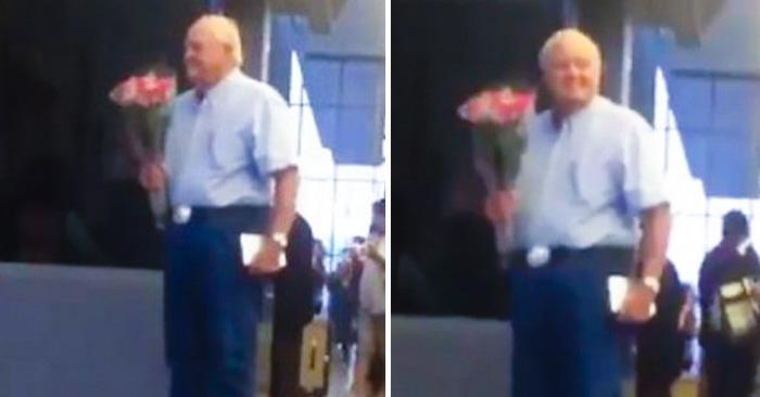 Millones de personas se enamoraron de este adorable anciano que espera a su amor en el aeropuerto