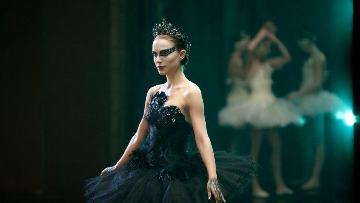 Natalie portman interpretando el papel del cisne negro