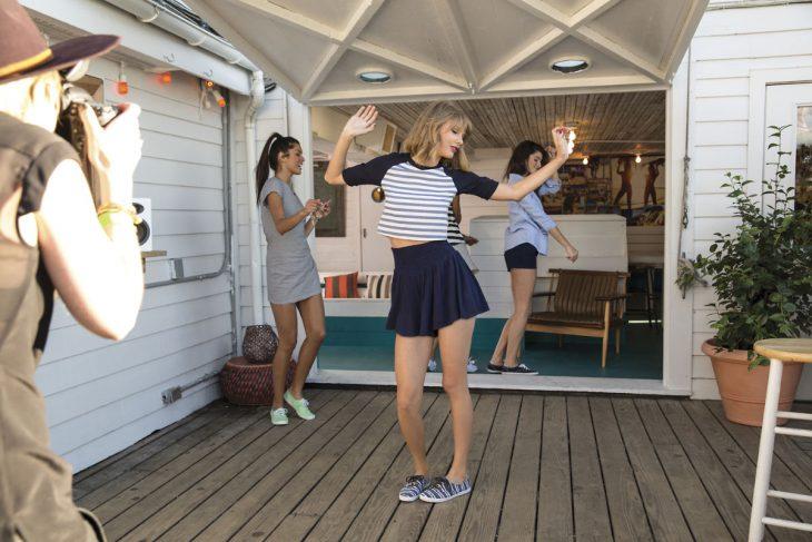 Taylor Swift bailando