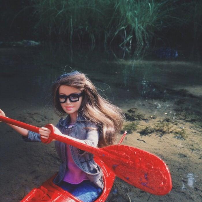 Fotografías de Barbie hipster remando