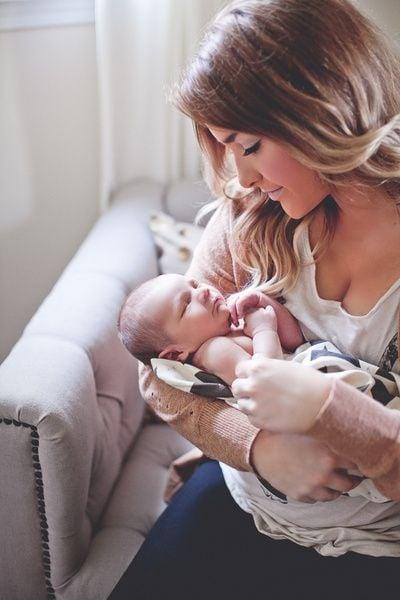 Madre con su bebé recién nacido