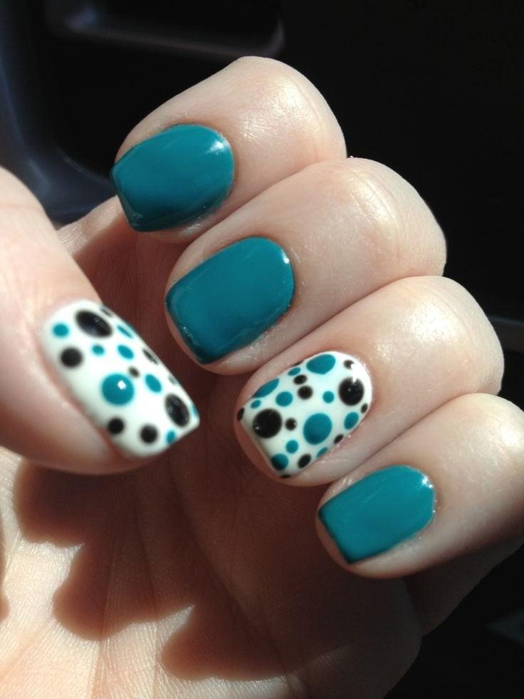 uas azules con puntos