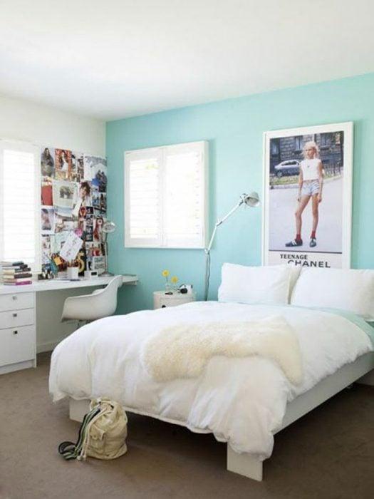 Habitación con colores claros