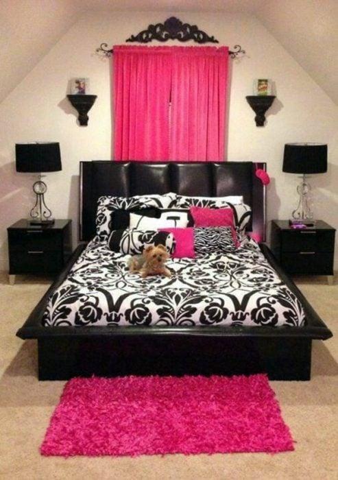 Habitación negro con rosa