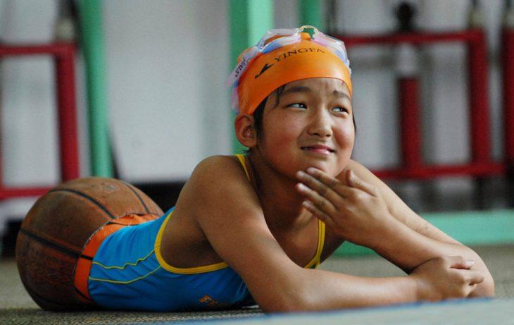 Qian en su clase de natación