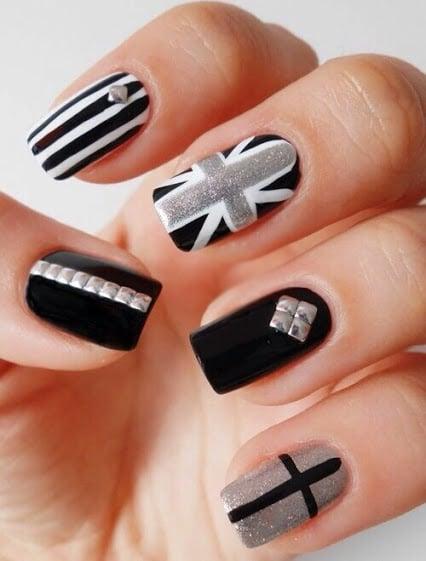 Uñas elegantes a blanco, negro y gris