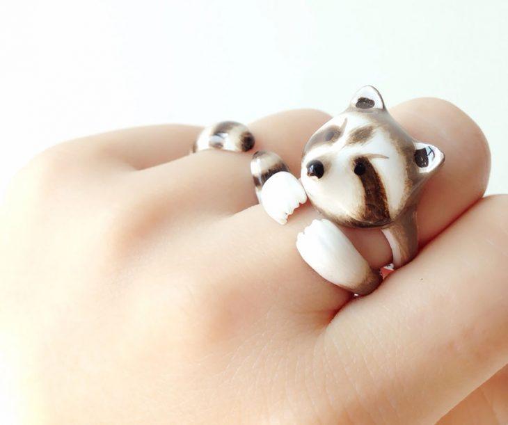 anillo en forma de mapache