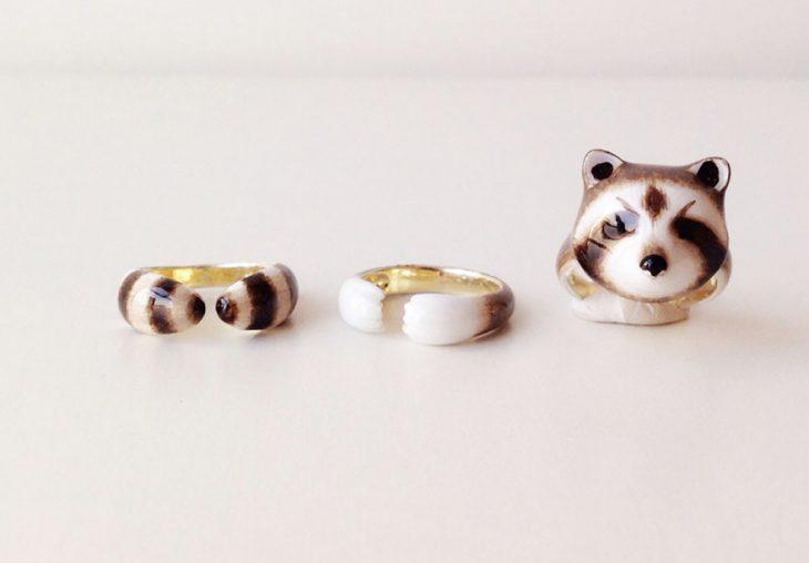 anillo de tres piezas en forma de mapache