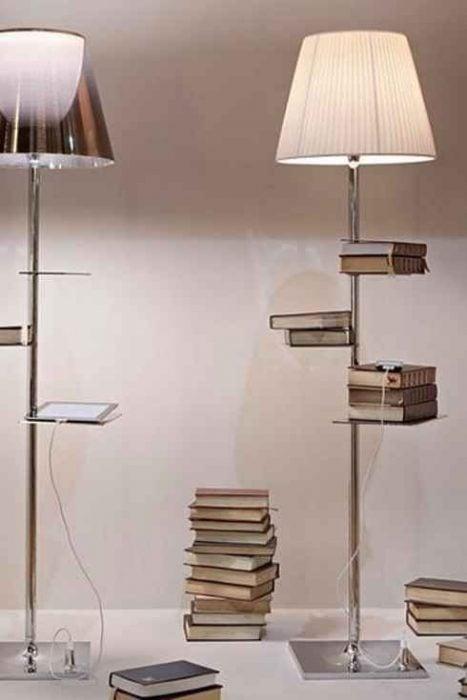 lámpara de pie con estantes