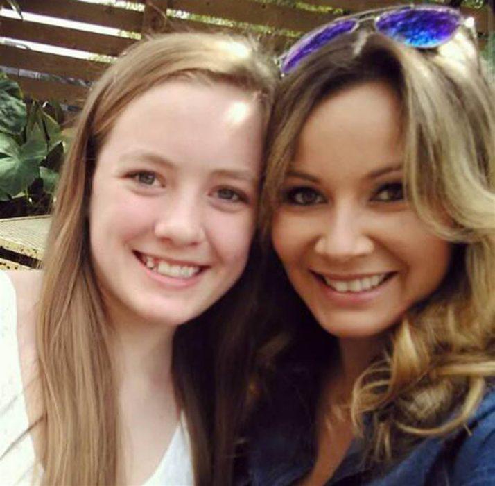 madrastra con hija adolescente Ashley