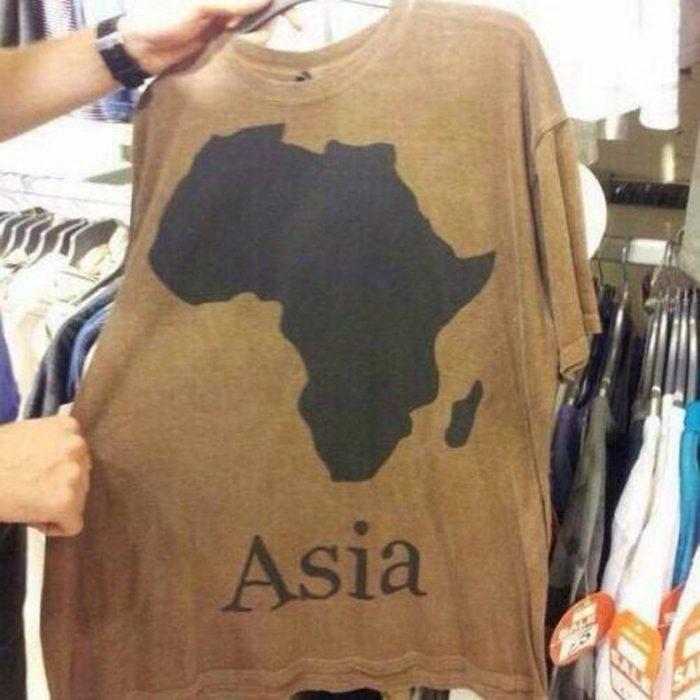 playera con imagen de África y dice Asia