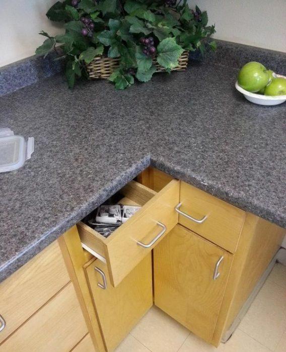 Cajones de cocina mal colocados