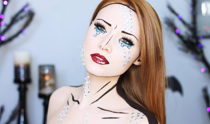 Chica con maquillaje para halloween como caricatura de pop art