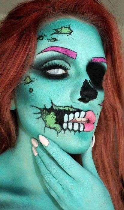 Chica con maquillaje para halloween como un zombie