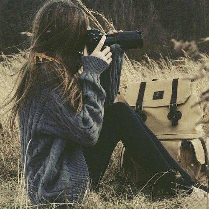 chica tomando fotografía