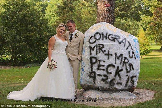 Brittany Bachman y Jeremy Peck el día de su boda