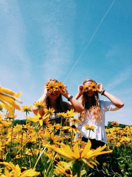 Chica con girasoles