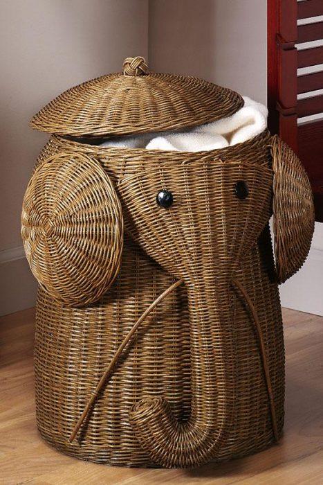 canasta para la ropa en forma de elefante