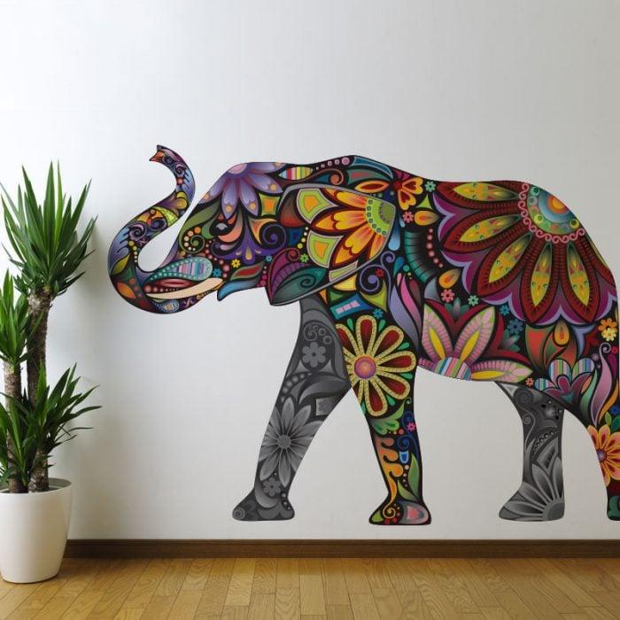 vinil de elefante pegado a la pared