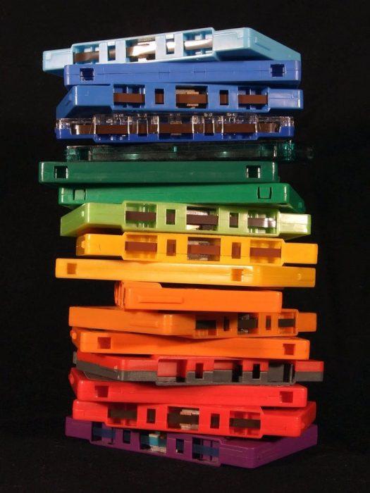 casetes de audio de colores