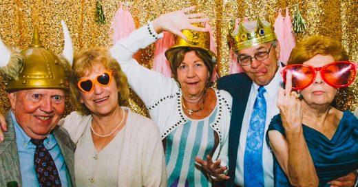 Estos increíbles abuelitos hicieron algo épico en una fotografía de boda