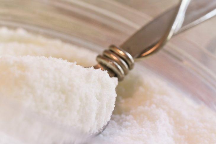 bicarbonato de sodio en cuchara