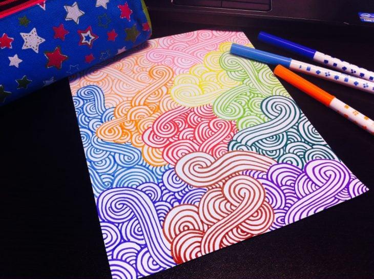 Dibujo de lineas de diferentes colores